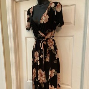 LUX & CO floral dress size small Long
